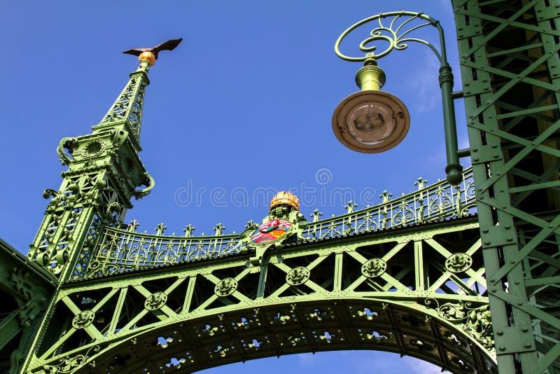 Γέφυρα ελευθερίας στη Βουδαπέστη στοκ εικόνες