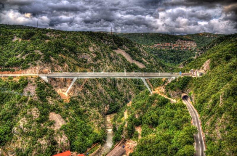 Γέφυρα και σήραγγες αυτοκινητόδρομων στο Rijeka, Κροατία στοκ φωτογραφία