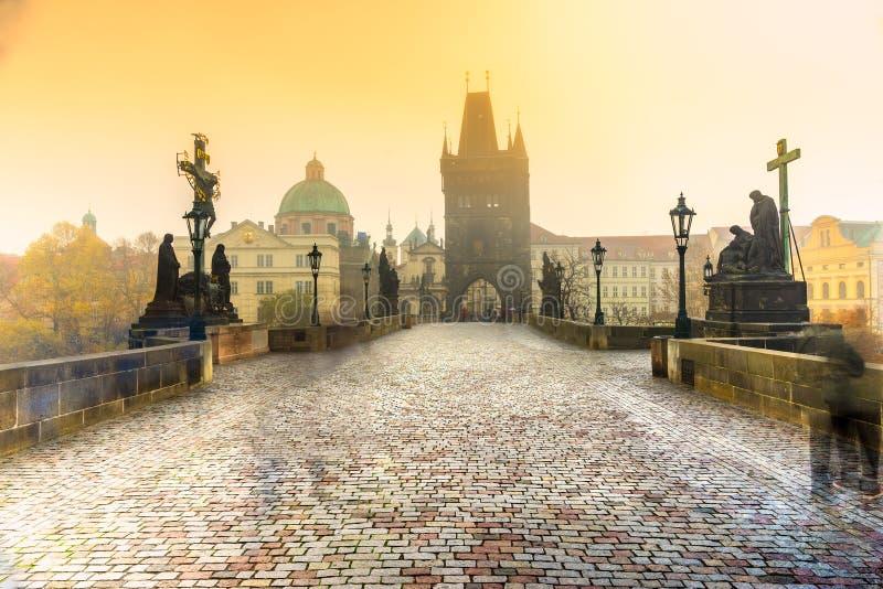 Γέφυρα και Mala Strana, Πράγα, Δημοκρατία της Τσεχίας του Charles στοκ εικόνα με δικαίωμα ελεύθερης χρήσης
