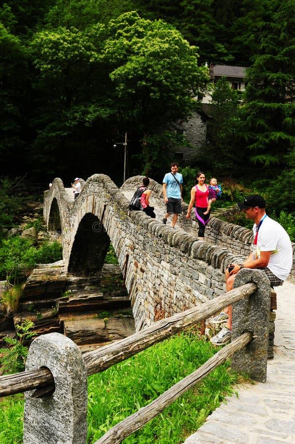 Γέφυρα κοιλάδων Verzasca, Ticino, Ελβετία στοκ φωτογραφία