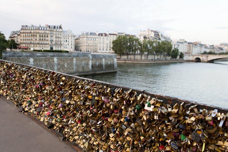 Γέφυρα κλειδαριών στο Παρίσι στοκ φωτογραφία με δικαίωμα ελεύθερης χρήσης