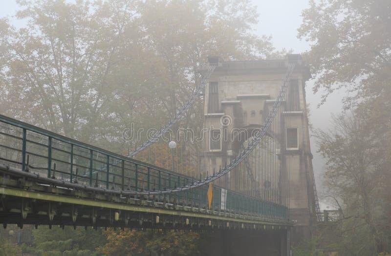 γέφυρα ομιχλώδης στοκ φωτογραφίες