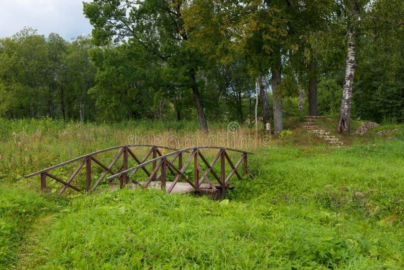 Γέφυρα πέρα από τον κολπίσκο στοκ εικόνα με δικαίωμα ελεύθερης χρήσης