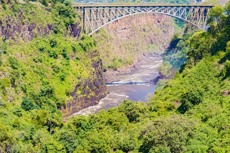 Γέφυρα πέρα από τον ποταμό Ζαμβέζη, Victoria Falls στοκ φωτογραφία