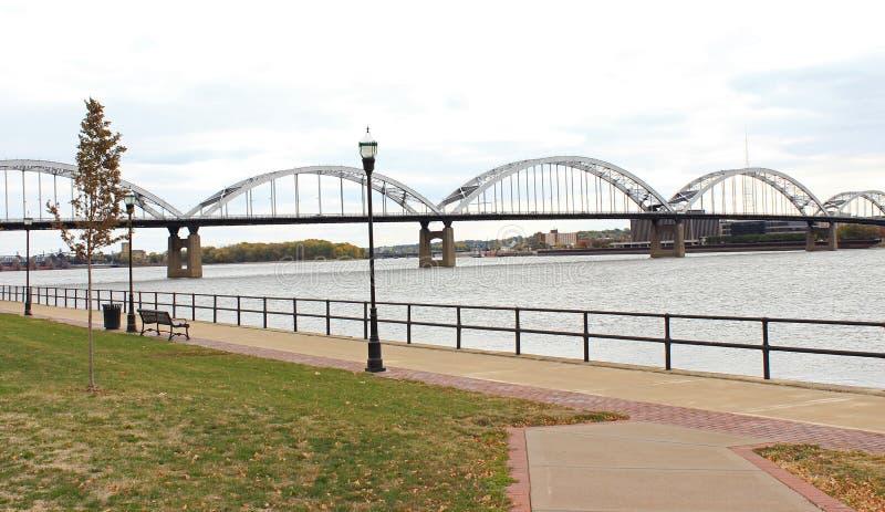 Γέφυρα ποτάμι Μισισιπή στοκ εικόνα