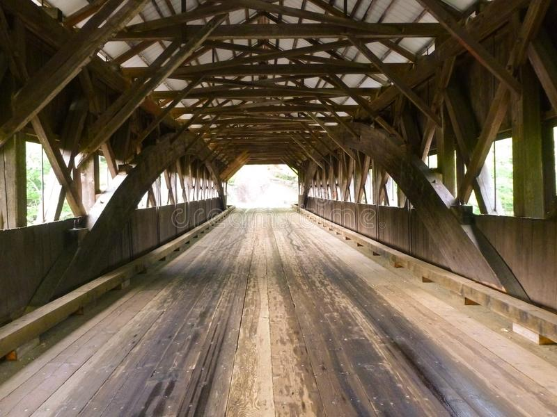 γέφυρα που καλύπτεται στοκ φωτογραφίες