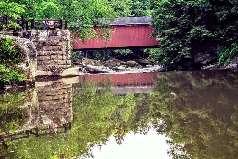 γέφυρα που καλύπτεται στοκ εικόνες με δικαίωμα ελεύθερης χρήσης