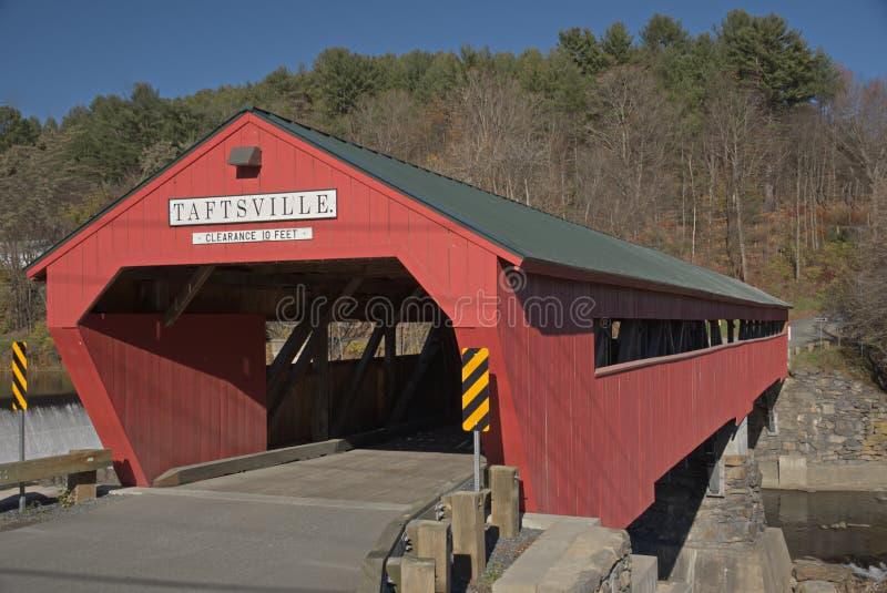 γέφυρα που καλύπτεται taftsville στοκ εικόνα