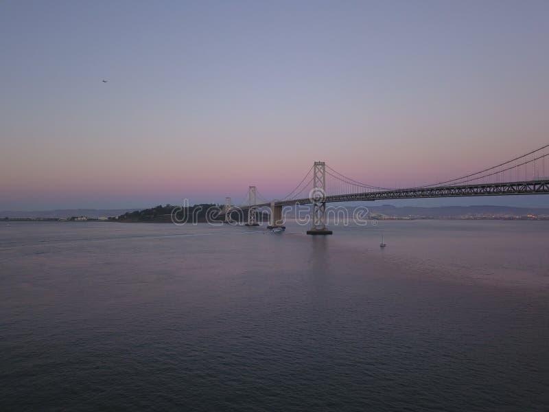 Γέφυρα Σαν Φρανσίσκο, ασβέστιο κόλπων στοκ φωτογραφίες με δικαίωμα ελεύθερης χρήσης