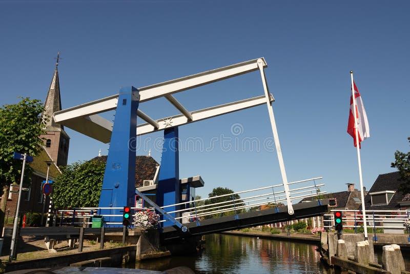 Γέφυρα σε Warten στη Φρεισία στις Κάτω Χώρες στοκ φωτογραφίες