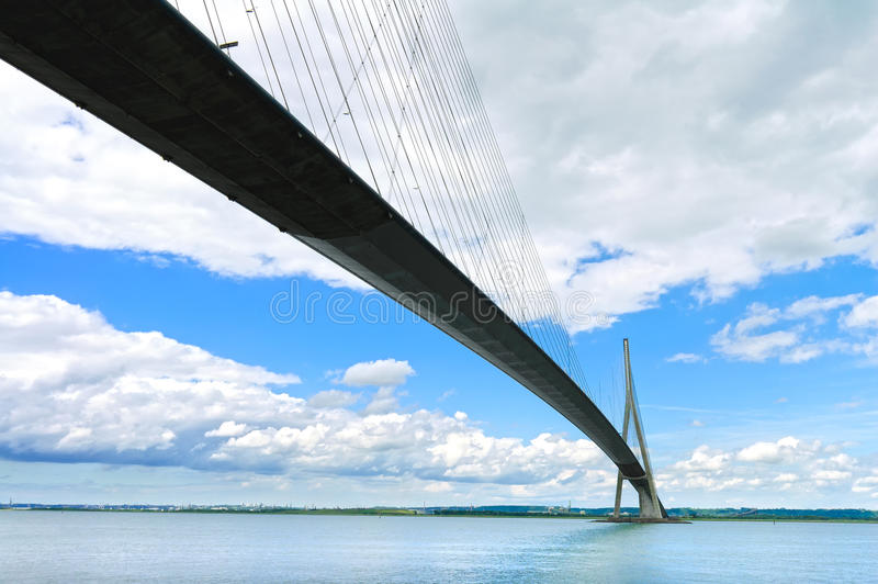 Γέφυρα της Νορμανδίας πέρα από τη μακροχρόνια έκθεση ποταμών του Σηκουάνα Χάβρη, Γαλλία στοκ φωτογραφία