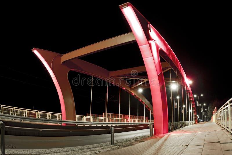Γέφυρα τη νύχτα στην πόλη Bydgoszcz - Πολωνία στοκ εικόνα