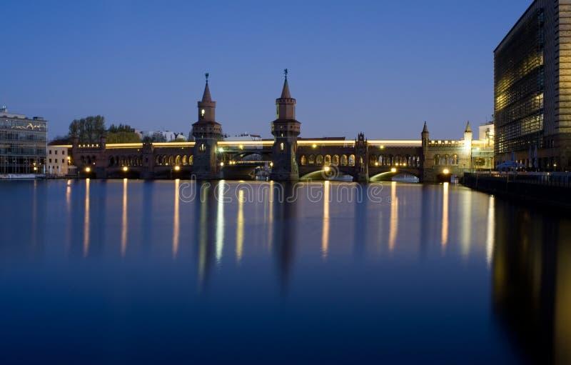 Γέφυρα του Βερολίνου oberbaumbruecke στοκ εικόνες με δικαίωμα ελεύθερης χρήσης