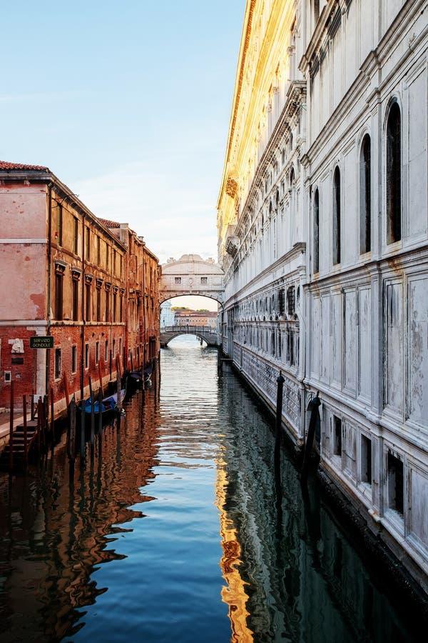 Γέφυρα του καναλιού Βενετία στεναγμών στοκ φωτογραφία