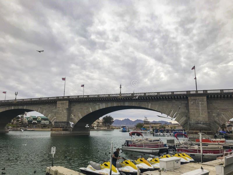 Γέφυρα του Λονδίνου στην πόλη Havasu λιμνών στοκ φωτογραφία