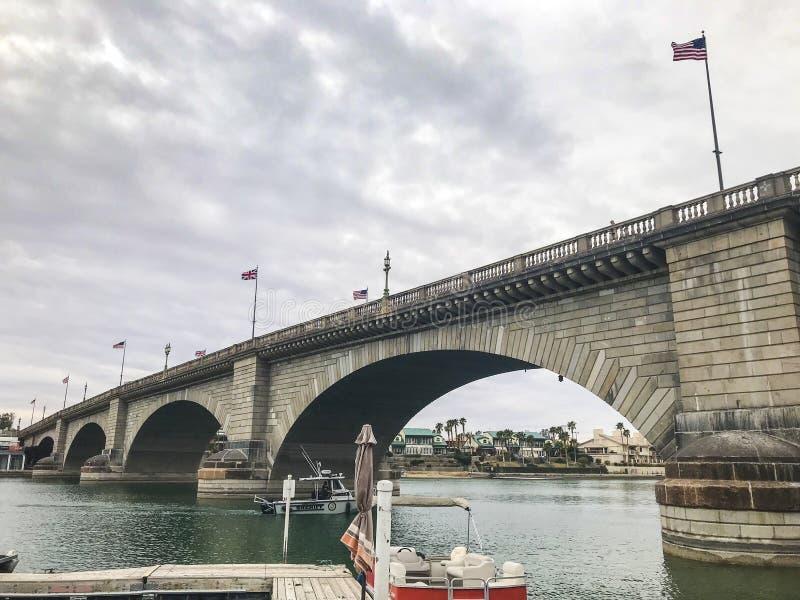 Γέφυρα του Λονδίνου στην πόλη Havasu λιμνών στοκ εικόνες
