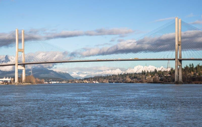 Γέφυρα του Alex Fraser στην ηλιόλουστη χειμερινή ημέρα στοκ φωτογραφία