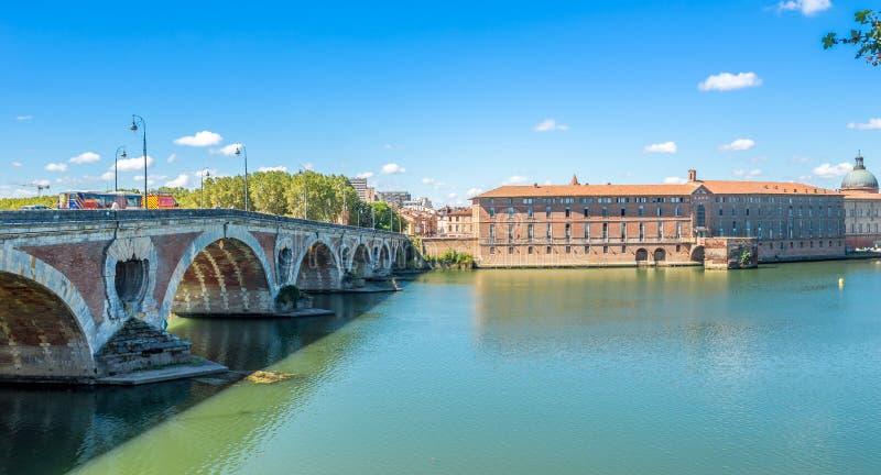 Γέφυρα του Pont-Neuf στην Τουλούζη στοκ εικόνες