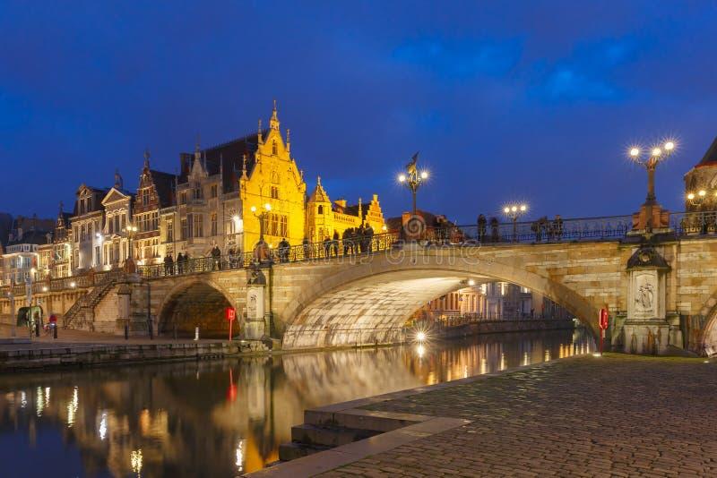 Γέφυρα του ST Michael στο ηλιοβασίλεμα στη Γάνδη, Βέλγιο στοκ εικόνες