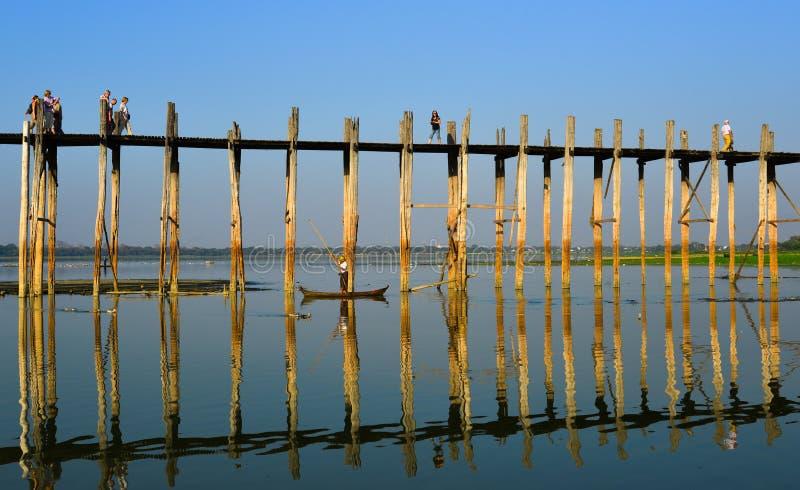 Γέφυρα του U Bein σε Amarapura, το Μιανμάρ στοκ φωτογραφία