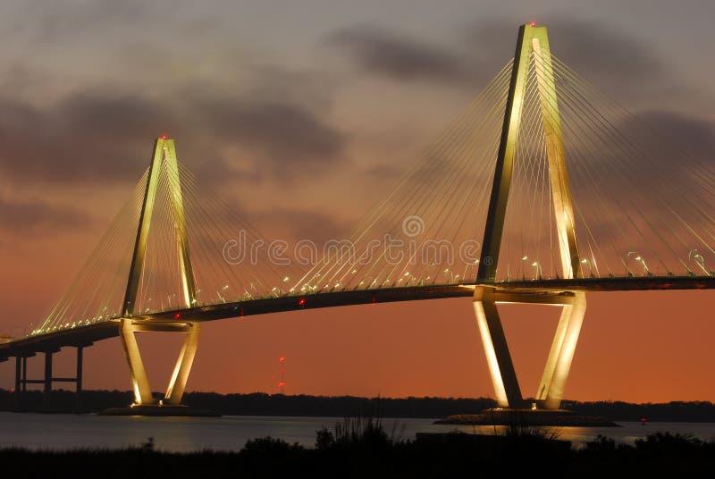 Γέφυρα Τσάρλεστον ποταμών νεώτερων βαρελοποιών αρθούρου Ravenel στοκ εικόνες με δικαίωμα ελεύθερης χρήσης