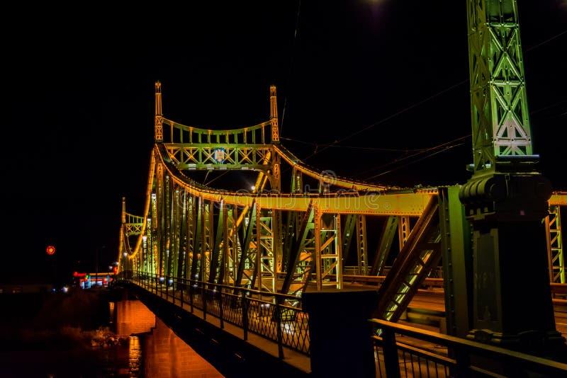 Γέφυρα Arad, νυχτερινή φωτογραφία Traian της Ρουμανίας στοκ εικόνες