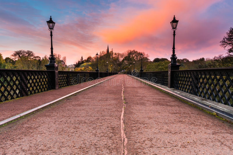 Γέφυρα Armstrong στην ανατολή στοκ φωτογραφίες