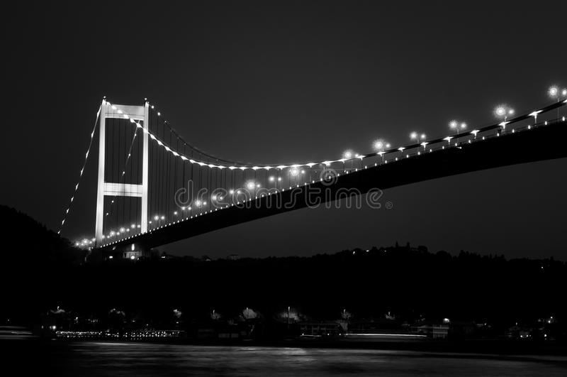 Γέφυρα Bosphorus τη νύχτα στοκ φωτογραφίες με δικαίωμα ελεύθερης χρήσης