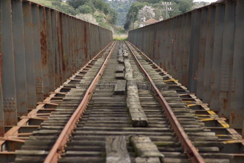 γέφυρα guadiana πέρα από το σιδηρόδρομο στοκ φωτογραφία με δικαίωμα ελεύθερης χρήσης