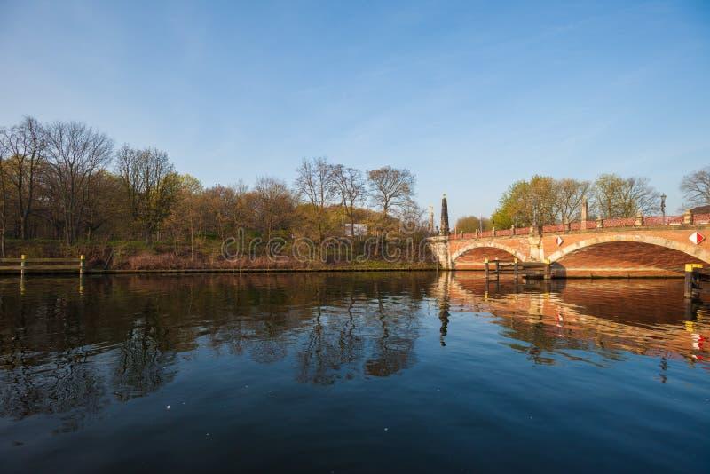 Γέφυρα Luther (Lutherbruecke), Βερολίνο στοκ φωτογραφία με δικαίωμα ελεύθερης χρήσης