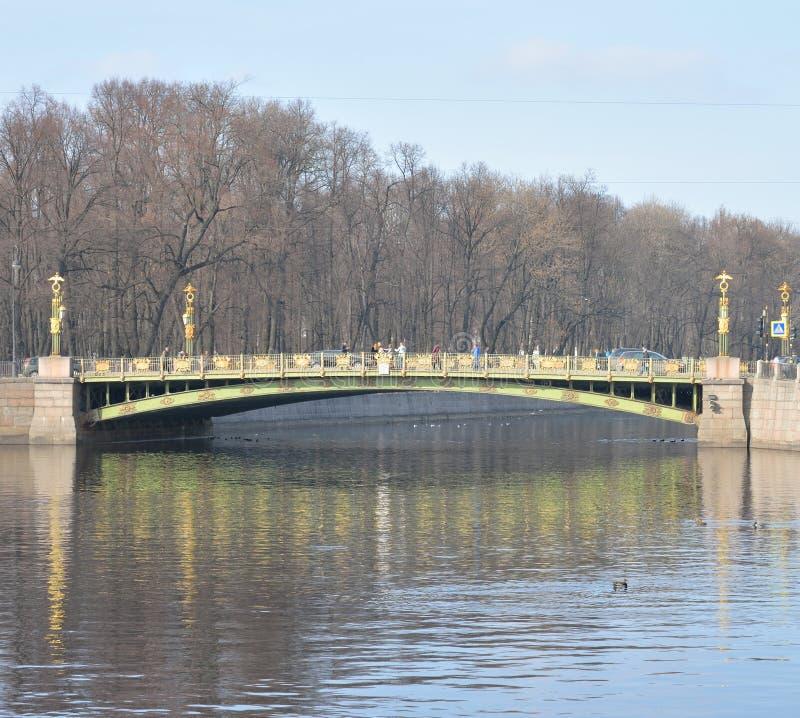 Γέφυρα Panteleimon πέρα από τον ποταμό Fontanka στοκ φωτογραφία