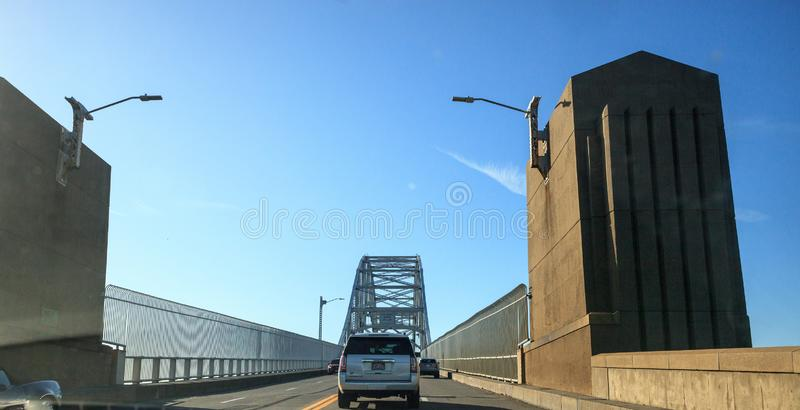 Γέφυρα Sagamore στο Bourne της Μασαχουσέτης στον αυτοκινητόδρομο με κατεύθυνση την πόλη της Βοστώνης στοκ εικόνες με δικαίωμα ελεύθερης χρήσης