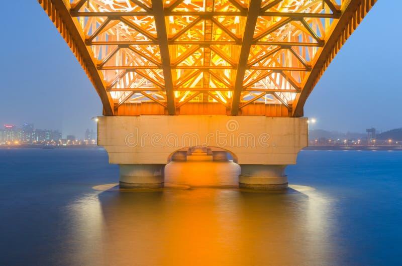 Γέφυρα Seongsan τη νύχτα στη Σεούλ, Κορέα στοκ φωτογραφία