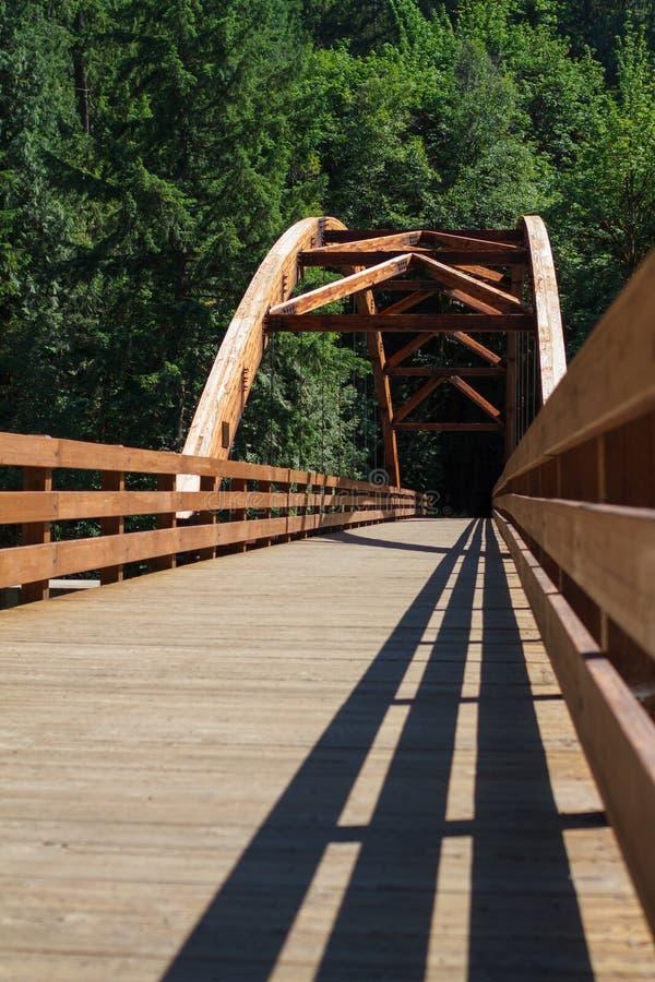 Γέφυρα Tioga πέρα από τον ποταμό βόρειου Umpqua στοκ εικόνες με δικαίωμα ελεύθερης χρήσης