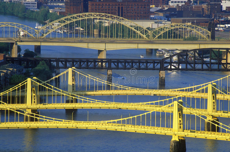 Γέφυρες πέρα από τον ποταμό Allegheny, Πίτσμπουργκ, PA στοκ φωτογραφίες με δικαίωμα ελεύθερης χρήσης