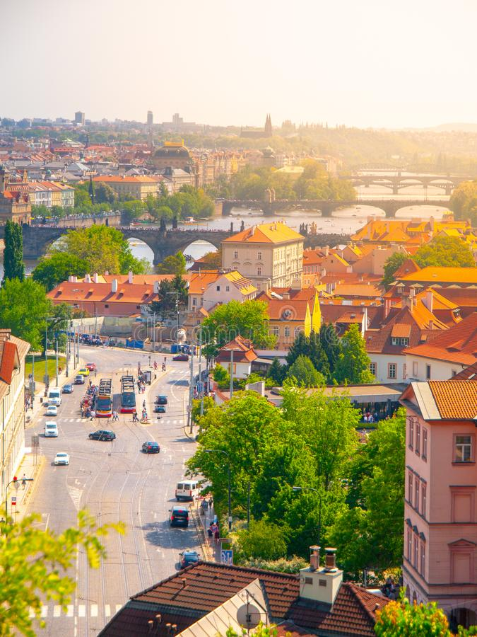 Γέφυρες ποταμών Klarov και Vltava Άποψη από τους κήπους Chotek, Πράγα, Δημοκρατία της Τσεχίας στοκ φωτογραφία με δικαίωμα ελεύθερης χρήσης