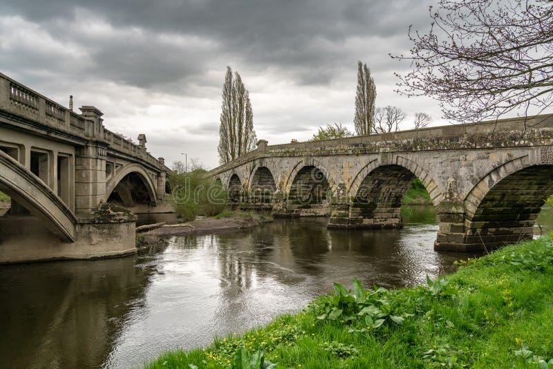 Γέφυρες σε Atcham, Shropshire, Αγγλία, UK στοκ φωτογραφία με δικαίωμα ελεύθερης χρήσης