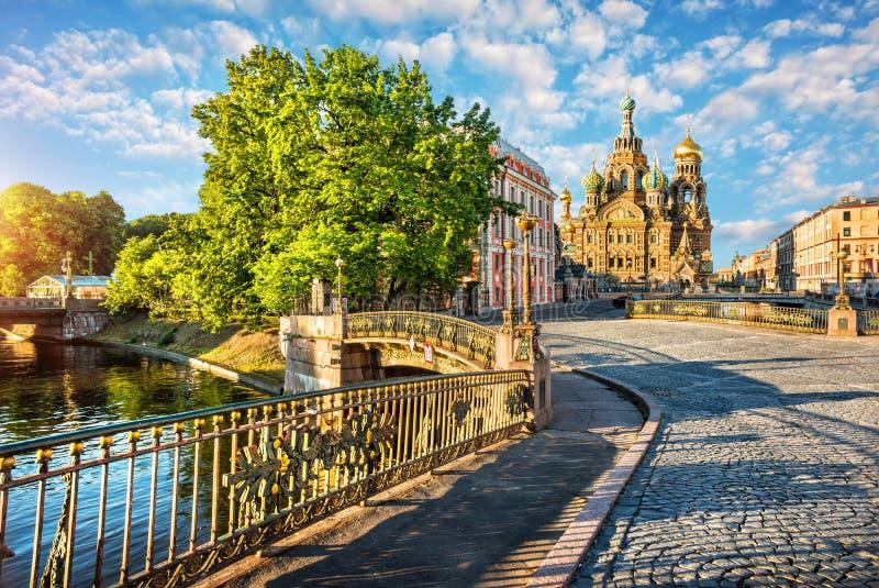 Γέφυρες στο Savior στο αίμα στοκ εικόνα με δικαίωμα ελεύθερης χρήσης