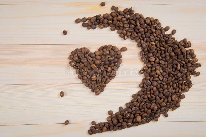γίνοντη καρδιά μορφή καφέ φα&s στοκ φωτογραφία με δικαίωμα ελεύθερης χρήσης
