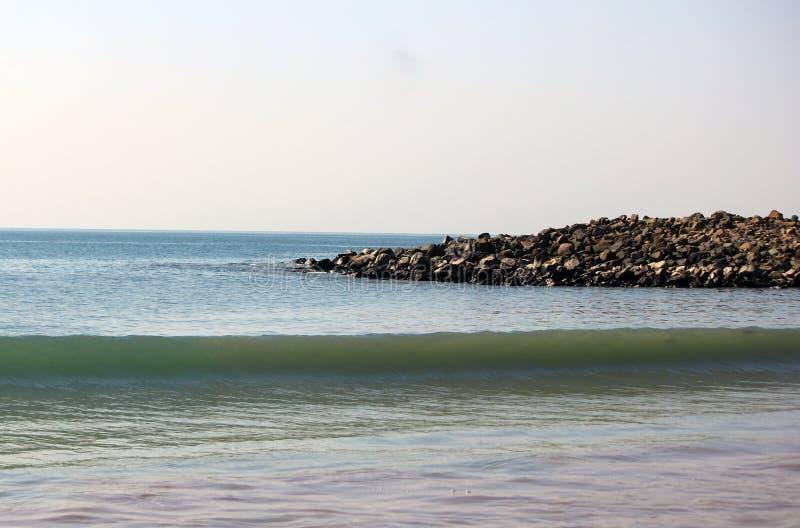 Γαλήνιο Seascape κοντά σε Ινδικό Ωκεανό στοκ φωτογραφίες