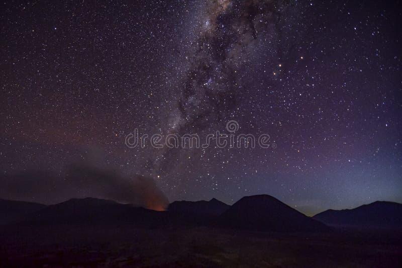 Γαλακτώδης τρόπος στο βουνό Bromo στοκ εικόνες με δικαίωμα ελεύθερης χρήσης