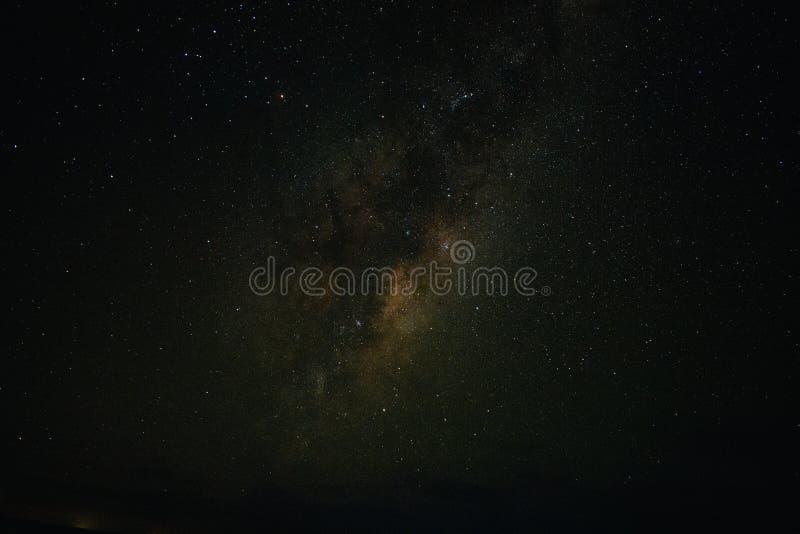 Γαλακτώδης τρόπος στο χρόνο μεσάνυχτων της Μελβούρνης στοκ εικόνες
