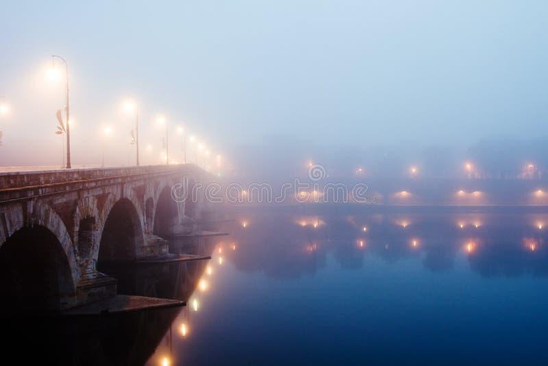 γαλλικό πρωί υδρονέφωσης στοκ φωτογραφίες με δικαίωμα ελεύθερης χρήσης