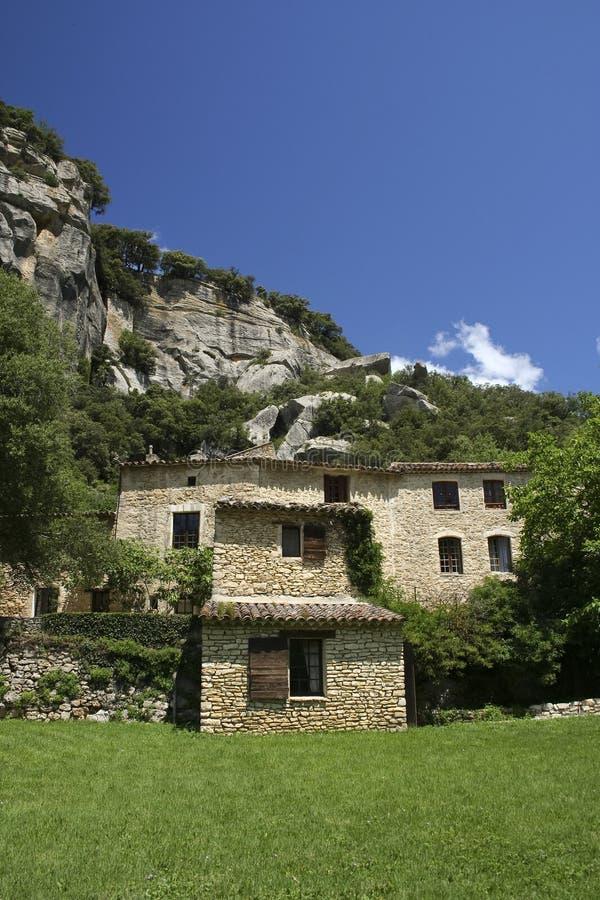 γαλλικό σπίτι επαρχίας provencal στοκ φωτογραφίες
