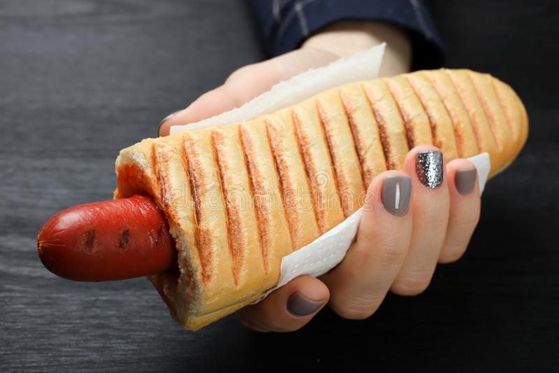 Γαλλικό χοτ-ντογκ στοκ εικόνα με δικαίωμα ελεύθερης χρήσης