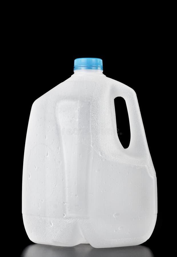 γαλόνι ένα μπουκαλιών πλα&sig στοκ φωτογραφία