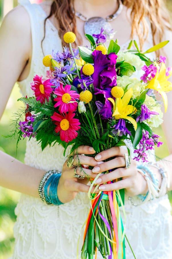 Γαμήλια ανθοδέσμη του πολύχρωμου boho λουλουδιών στοκ φωτογραφία με δικαίωμα ελεύθερης χρήσης