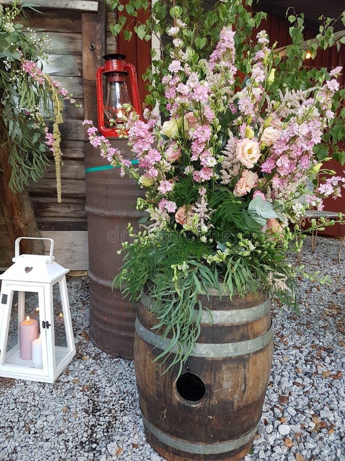 γαμήλιες διακοσμήσεις στο ροζ και το λευκό στοκ φωτογραφίες