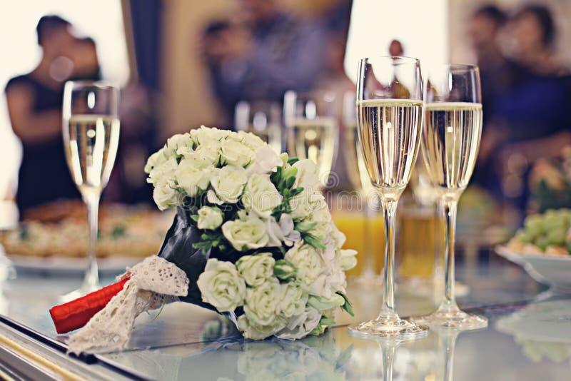 Γαμήλια ανθοδέσμη CHAMPAGNE στοκ φωτογραφία