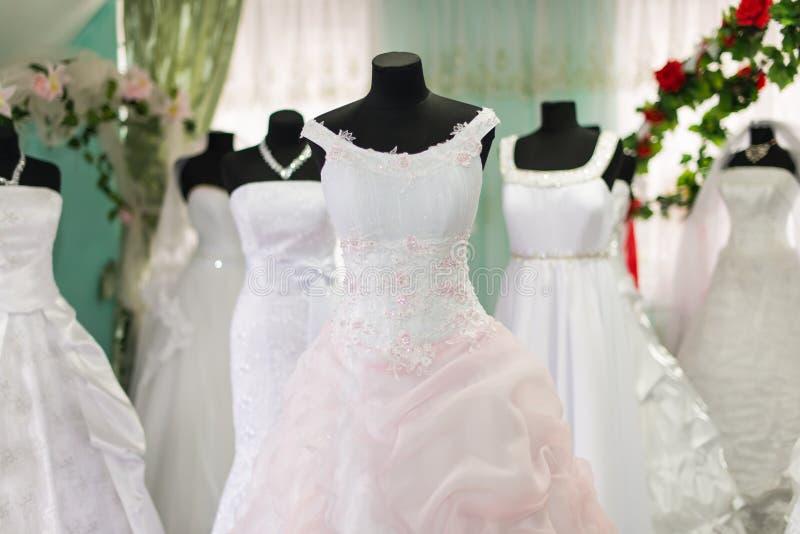Γαμήλια φορέματα στοκ φωτογραφία με δικαίωμα ελεύθερης χρήσης